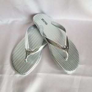 NWOT Michael Kors Silver Jelly Flip Flops 8M